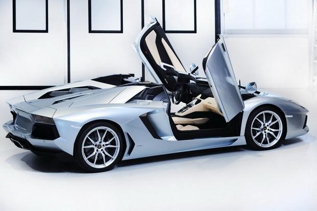 Lamborghini представили новый суперкар Aventador LP700-4 Roadster . Изображение № 2.