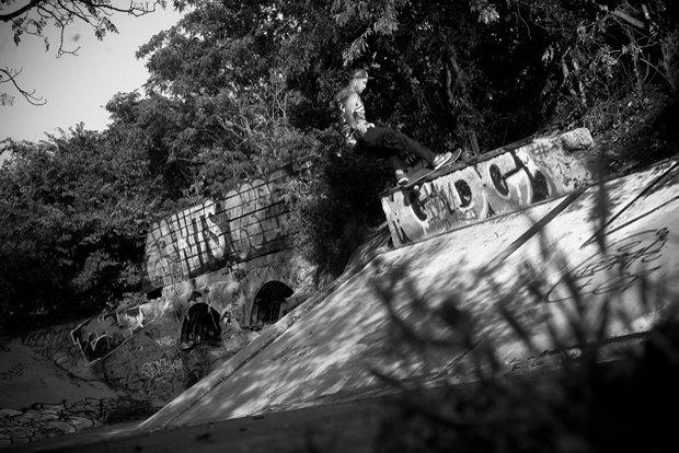 Скейтбордист Эрик Костон и марка Skullcandy выпустили совместную линейку наушников. Изображение № 2.
