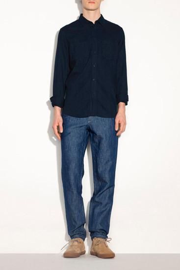Марка A.P.C. опубликовала лукбук новой коллекции одежды. Изображение № 2.