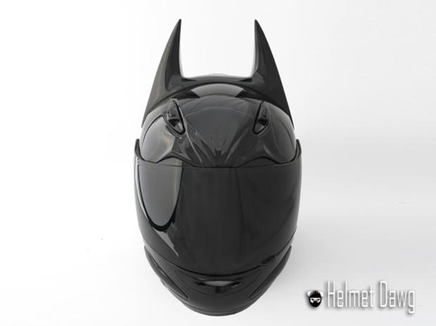 Компания Helmet Dawg спроектировала мотошлем по мотивам «Бэтмена». Изображение № 2.