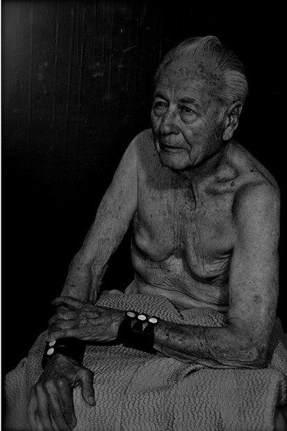 Рик Кастро сделал фетиш-съёмку коллекции Рика Оуэнса со стариками. Изображение № 4.