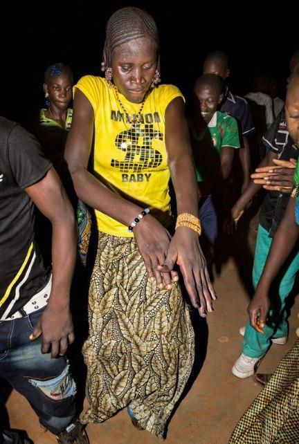 Мы хотим танцевать: Как выглядит сельская дискотека в Африке. Изображение № 13.