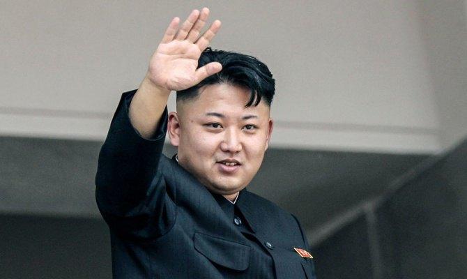 Мужчин в КНДР заставят стричься «под Ким Чен Ына». Изображение № 1.