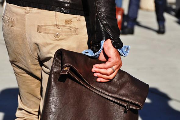 Изображение 31. Шарфы, клатчи, клетчатые пиджаки и подвернутые джинсы.. Изображение № 49.