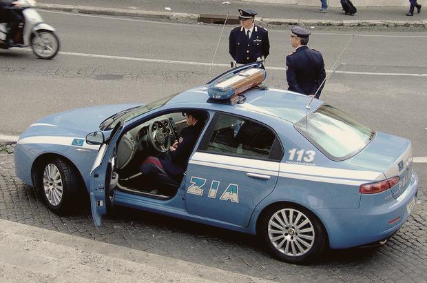 Полицейский беспредел: Самые навороченные авто на службе полиции разных стран. Изображение № 14.