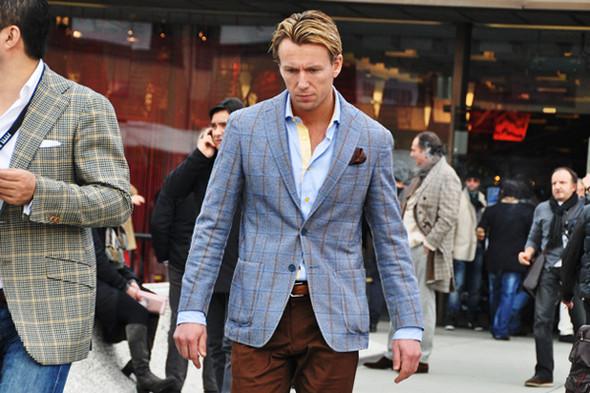 Изображение 6. Шарфы, клатчи, клетчатые пиджаки и подвернутые джинсы.. Изображение № 5.