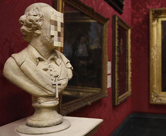 Скульптура Бэнкси впервые выставлена в музее. Изображение № 3.