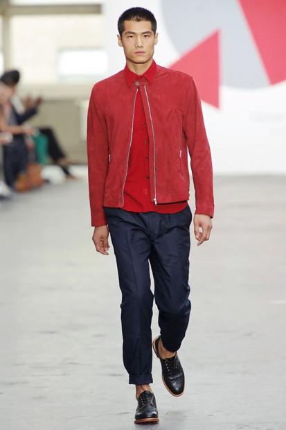 Марка Oliver Spencer выпустила летнюю коллекцию одежды. Изображение № 25.
