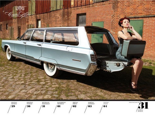 10 эротических календарей на 2013 год. Изображение № 77.