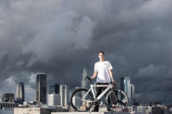 Vans и Leader Bikes представили лукбук и видеолукбук новой коллекции. Изображение № 4.