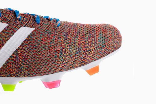Adidas анонсировали вязаные футбольные бутсы Samba Primeknit. Изображение № 4.