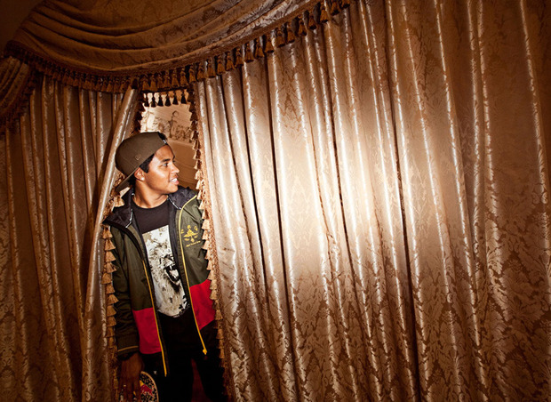 Рэпер Гуччи Мэйн снялся в лукбуке марки LRG. Изображение № 12.