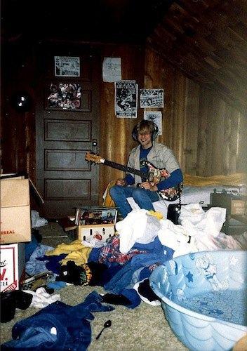 Дом с рисунками Курта Кобейна выставят на продажу. Изображение № 1.
