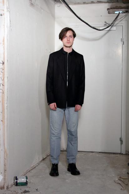Марка Our Legacy выпустила лукбук осенней коллекции одежды. Изображение № 4.