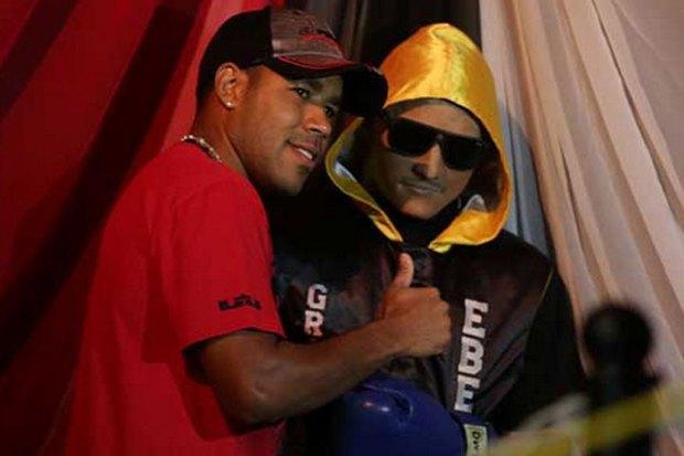 Пуэрториканскому боксёру поставили памятник, сделанный из его же трупа . Изображение № 3.