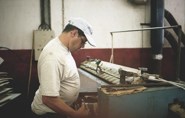 Репортаж с португальского завода по производству кожи. Изображение № 10.