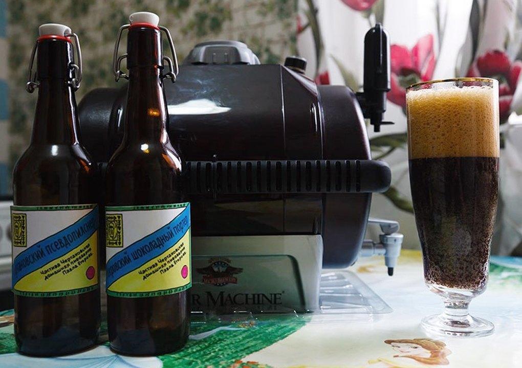 Ёмкость для брожения BeerMachine, домашнее пиво в бокале и бутылках с самодельными этикетками.. Изображение № 16.