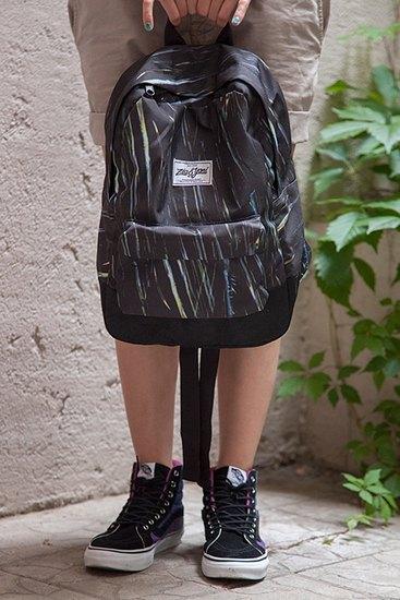 Российско-американская марка Ziq & Yoni выпустила лукбук летней коллекции одежды. Изображение № 22.