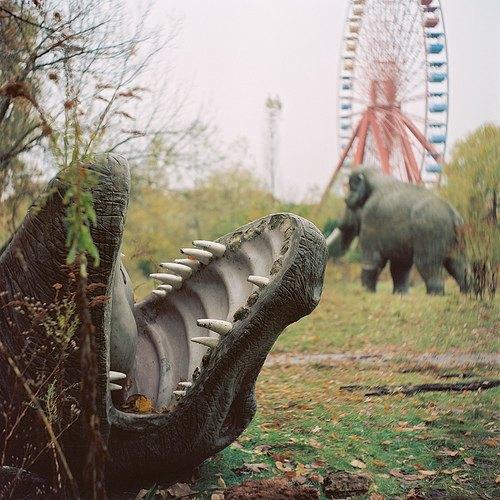 На eBay выставлен заброшенный парк аттракционов . Изображение № 2.