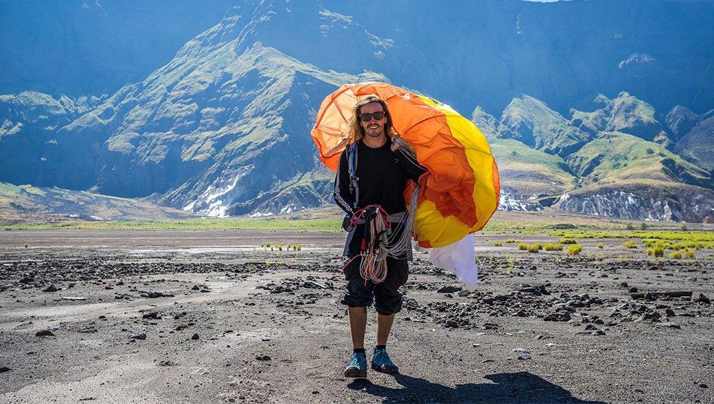 Тамбора, великий и ужасный: Как мы спустились на парапланах в кратер действующего вулкана. Изображение № 16.