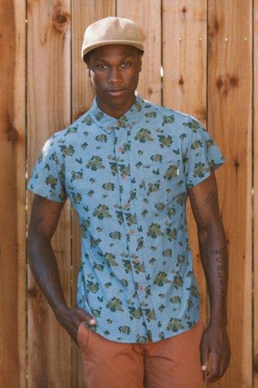 Марка Obey опубликовала лукбук весенней коллекции одежды. Изображение № 8.