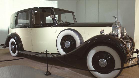 Репортаж с выставки машин Джеймса Бонда. Изображение № 6.