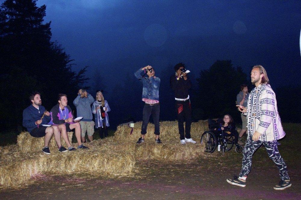 Фотопроект: Как британцы бегут от цивилизации на фестиваль в лесах Болгарии. Изображение № 15.