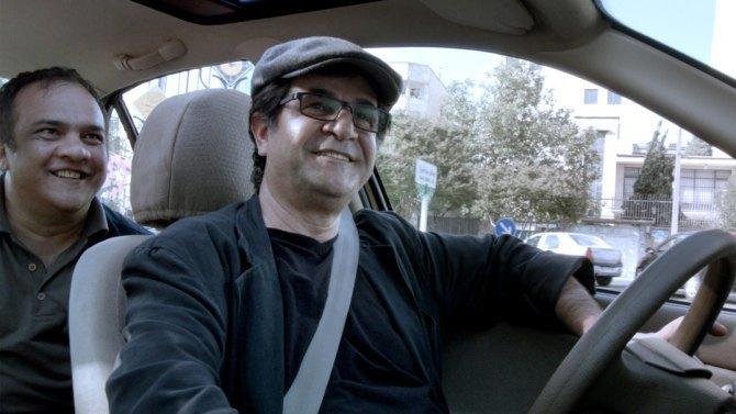 Флешка в торте и камера-айфон: Как Джафар Панахи борется за право снимать кино. Изображение № 4.