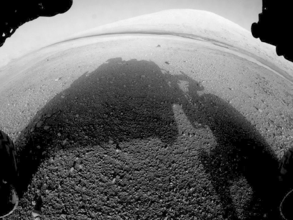 10 фотографий с марсохода Curiosity и поверхности Красной планеты. Изображение № 2.