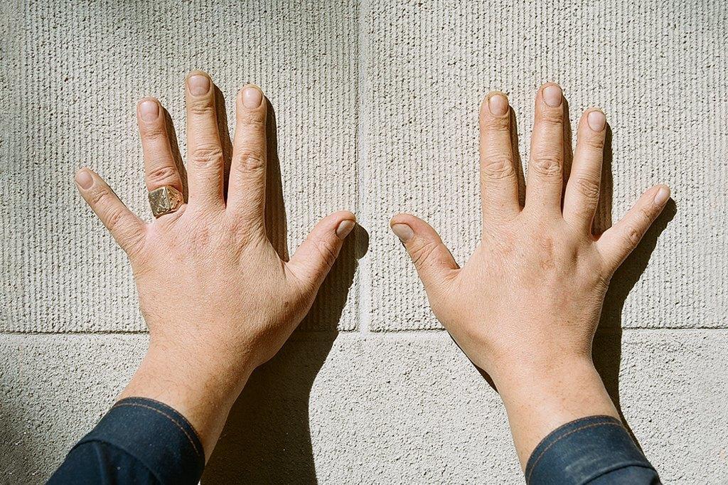 Нейл-арт недели: Руки московских рабочих. Изображение № 8.