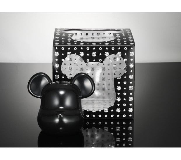 Компании Medicom Toy и Casio выпустили юбилейную модель часов G-Shock. Изображение № 8.