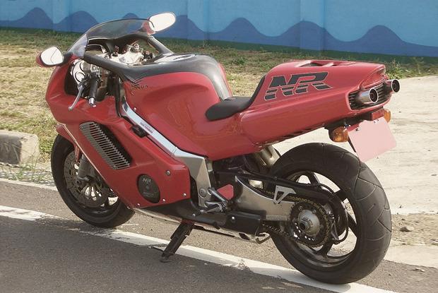 Сумасшедший гений: 10 самых странных и недооцененных мотоциклов. Изображение № 14.