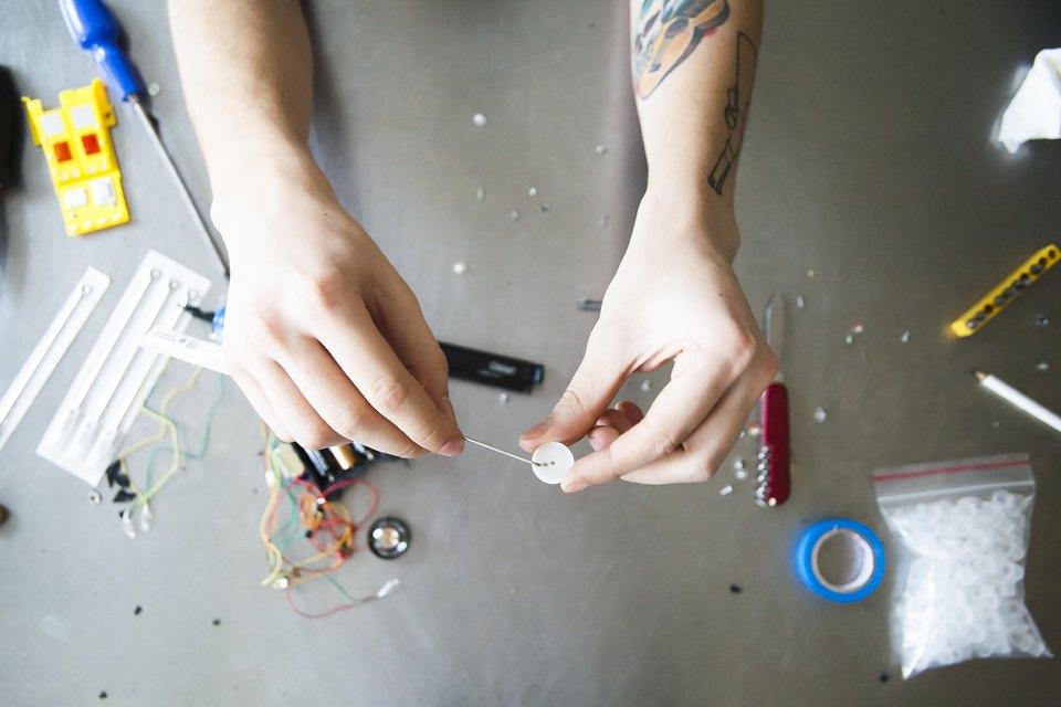 Как сделать тату машинку в домашних условиях своими руками 96