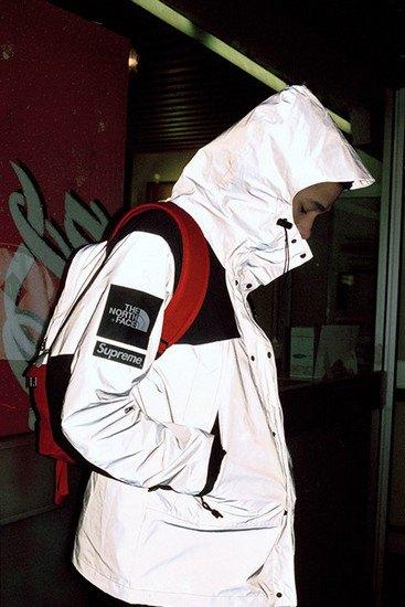 Марки Supreme и The North Face представили совместную коллекцию одежды. Изображение № 1.