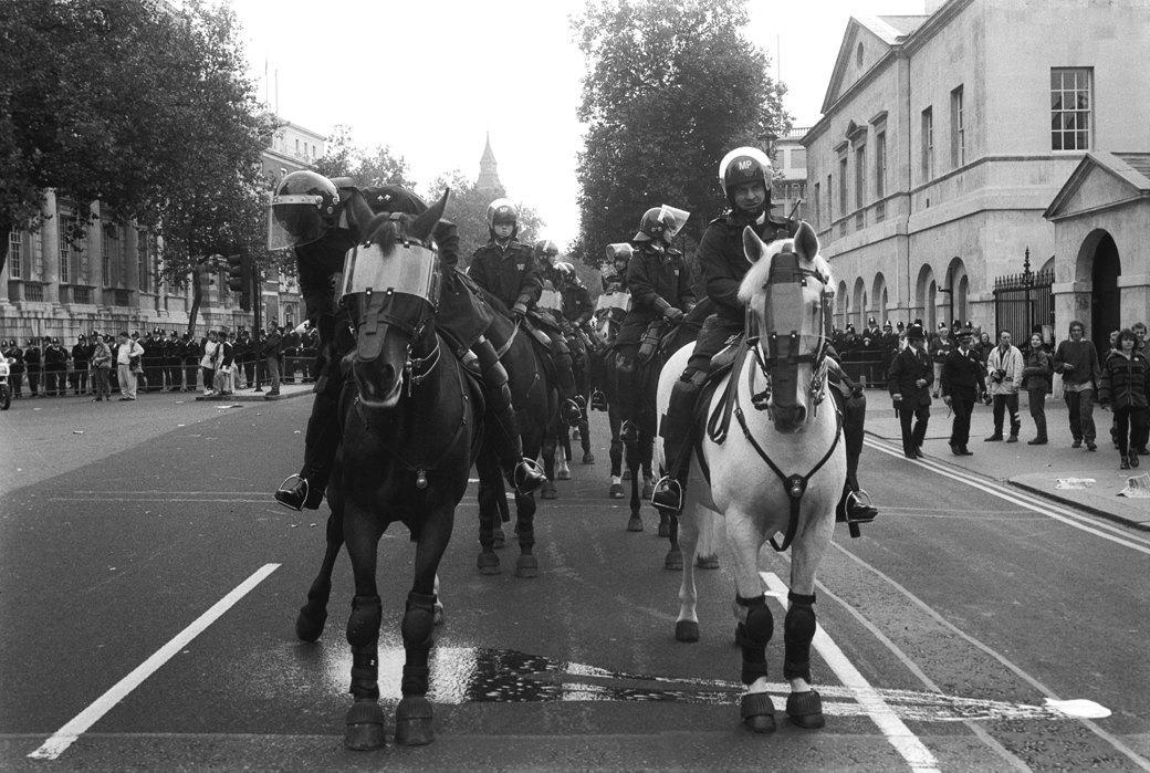 C рейва на митинг: Фотохроника британских free parties и попыток отстоять их перед властями. Изображение № 18.