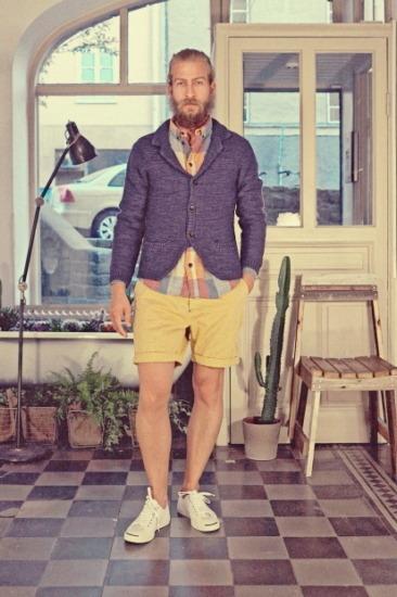 Марка Uniforms for the Dedicated опубликовала лукбук весенней коллекции одежды. Изображение № 4.