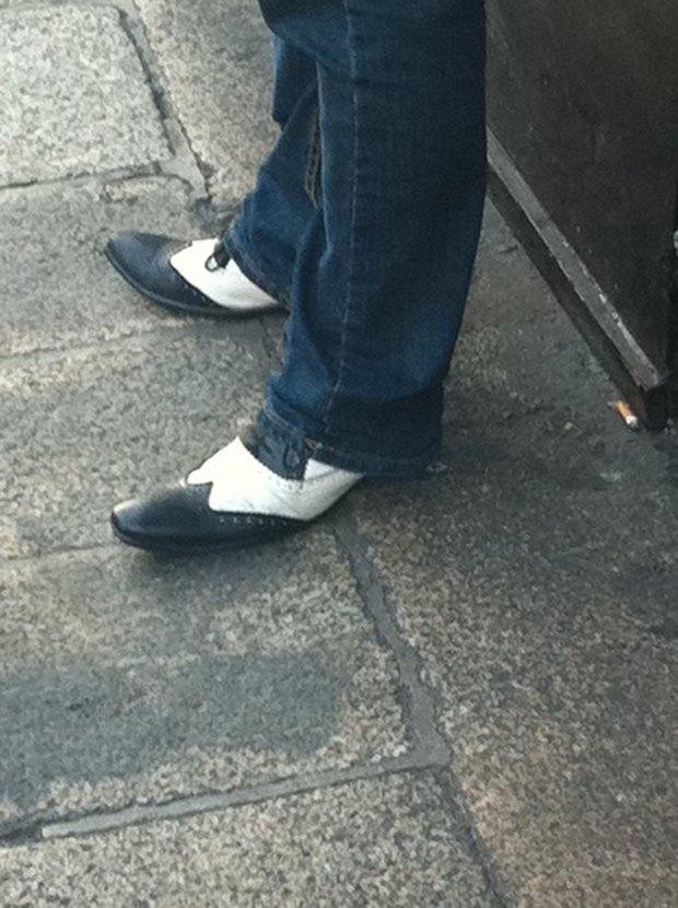 Jeans and Sheuxsss: Еженедельные обзоры худших сочетаний обуви и джинсов. Изображение № 2.