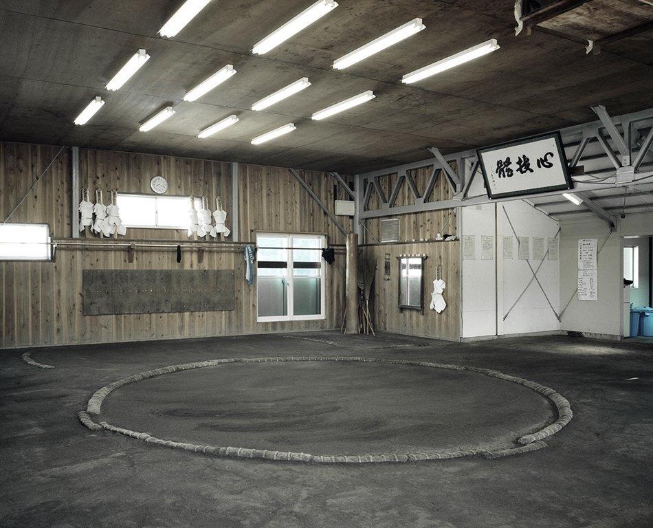 Как тренируются в борцовских школах сумо. Изображение № 4.