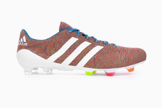 Adidas анонсировали вязаные футбольные бутсы Samba Primeknit. Изображение № 2.