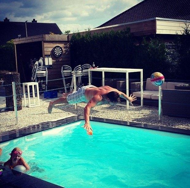 Летучий голландец: Робин ван Перси как новый интернет-мем. Изображение № 35.