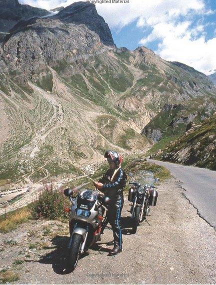 Вышло переиздание знаменитой книги Дэвида Л. Хоу о езде на мотоцикле. Изображение № 3.