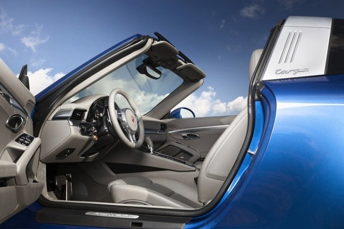 В Детройте представили новый Porsche 911 Targa. Изображение № 4.
