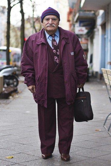 Харизматичный турок Али каждый день демонстрирует новый лук в блоге на Tumblr. Изображение № 1.
