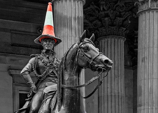 Статую герцога Веллингтона в Глазго лишат шляпы из дорожного конуса. Изображение № 2.