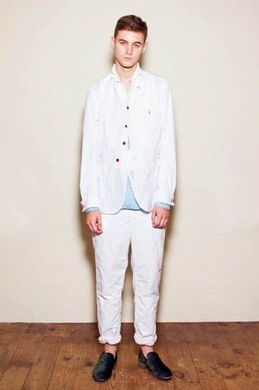 Марка Undercover опубликовала лукбук весенней коллекции одежды. Изображение № 26.