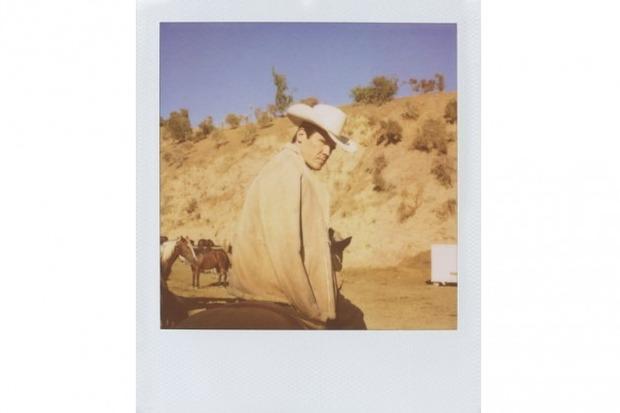 Джош Бролин снялся в новом лукбуке марки Band of Outsiders. Изображение № 10.