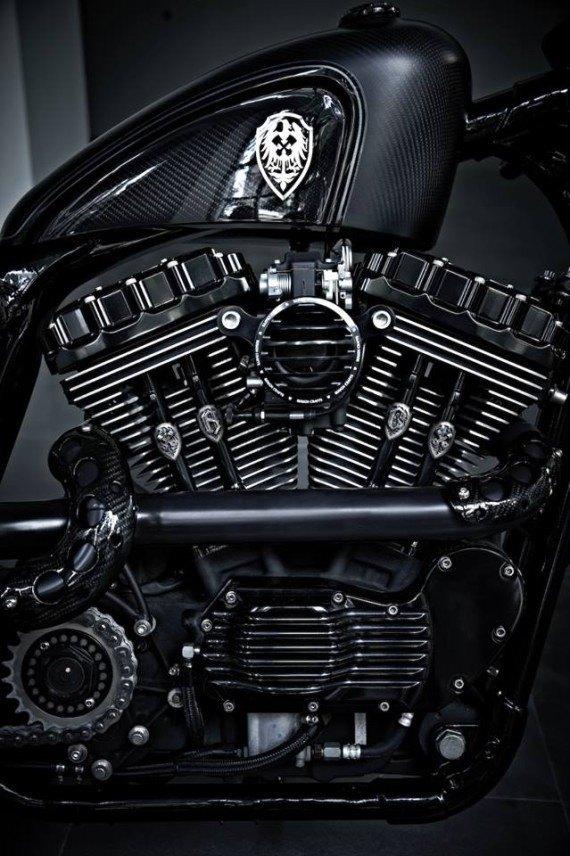 Мастерская  Rough Crafts представила кастомный мотоцикл на базе Harley-Davidson. Изображение № 9.