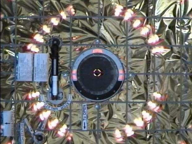 Первый частный космический грузовик пристыковался к МКС. Изображение № 7.