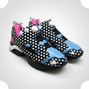 10 самых спорных моделей кроссовок 2011 года. Изображение № 11.