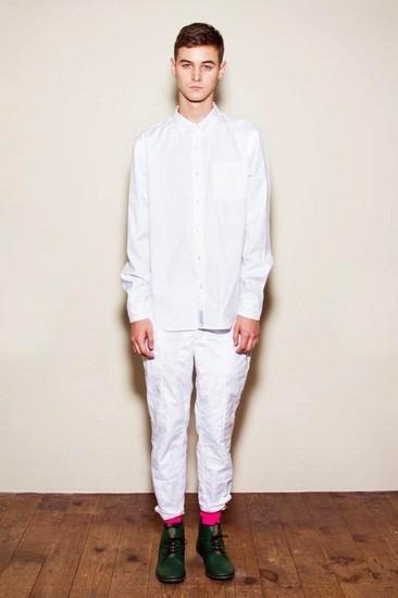 Марка Undercover опубликовала лукбук весенней коллекции одежды. Изображение № 24.